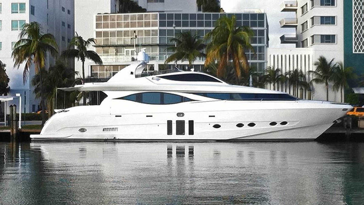 70-130 FT Miami Yachts & Luxury Boats Charter
